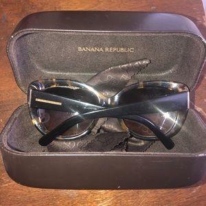 Banana republic sunglasses 🕶